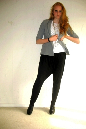 Topshop blazer - H&amp;M necklace - GINA TRICOT pants - H&amp;M shoes - H&amp;M t-shirt