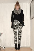 GINA TRICOT cardigan - H&M t-shirt - H&M Trend pants - tiamo boots - Monki scarf