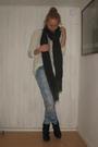 Black-din-sko-boots-blue-bikbok-jeans-white-h-m-divided-top-gray-h-m-scarf