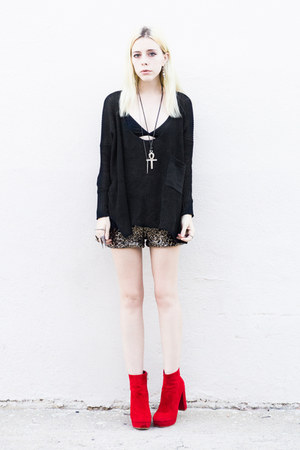ruby red Sheinside boots - black Sheinside sweater
