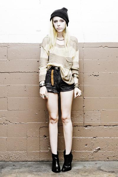 black vintage Levis shorts - black romwe boots - beige romwe sweater