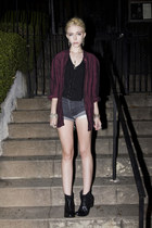 dark gray Levis shorts - black romwe shoes - crimson vintage top
