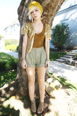 yellow knit turban vintage hat - dark khaki pleated vintage shorts - gold sequin