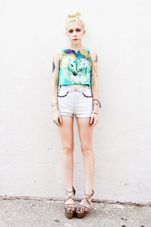 aquamarine o-mighty top - tan Lulus shoes - white vintage shorts