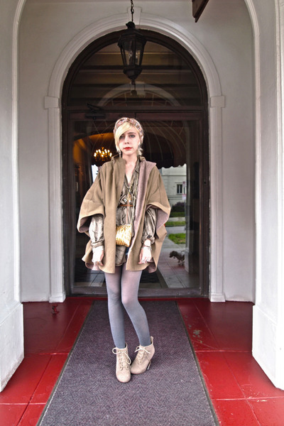 army green poncho Dolce Vita jacket - olive green silk vintage shirt - gold sequ