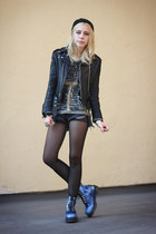 black motorcycle vintage jacket - blue Dr Martens boots