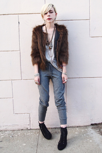 dark brown faux fur UO jacket - heather gray knit Forever 21 pants - silver mesh