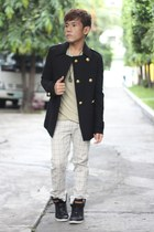black Massimo Dutti coat - camel Folded & Hung t-shirt