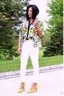Hot-pink-floral-print-blazer-white-skinny-jeans