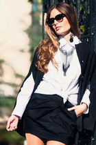 black bell-shaped H&M cape - black leather Stradivarius boots
