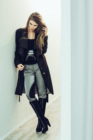 dark brown wool Dejana Ivanisevic coat - olive green Marija Rajna Stanisic pants