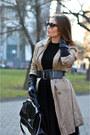 Beige-cotton-vintage-coat-black-faux-leather-d-m-torbe-bag