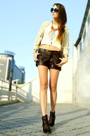 brown faux leather Bershka shorts - dark brown studded Miss Sixty boots