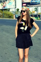 Ladakh top - Zara shorts - Ray Ban sunglasses