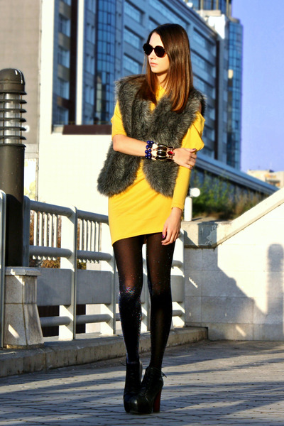 charcoal gray faux fur DIY vest - yellow DIY dress