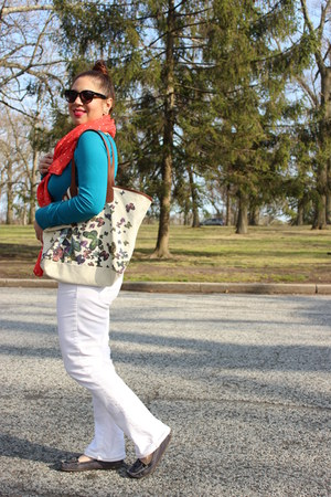 American Eagle jeans - Love Culture sweater - Forever 21 scarf - Aldo bag