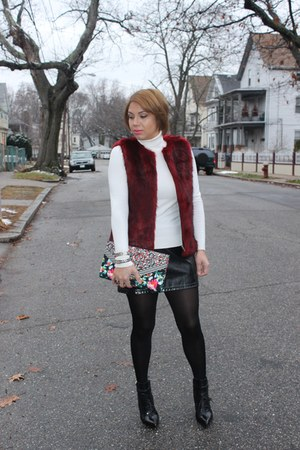 Forever 21 sweater - ALTUZARRA boots - Aldo bag - Hot Topic skirt