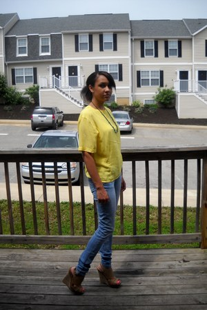 silk thrifted Jones New York blouse - denim jeans Refuge jeans