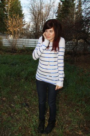 white Victorias Secret top - black payless boots - blue Mavi jeans