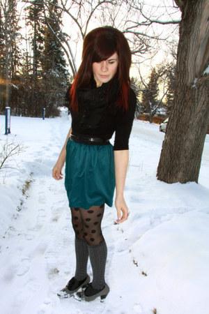 teal f21 skirt - black f21 top - black H& M scarf - charcoal gray winners shoes