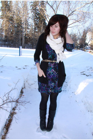 deep purple dress - cream scarf - black cardigan
