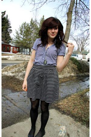 sky blue vintage top - black f21 skirt
