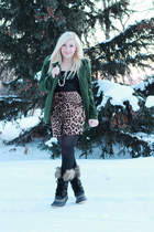 forest green wool Forever 21 coat - black fur Sorel boots