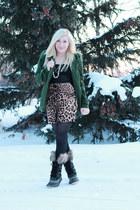 forest green wool Forever 21 coat - black fur Sorel boots