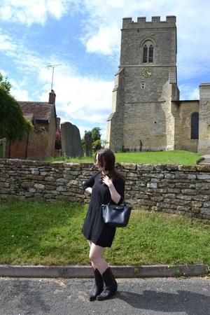 vintage boots - American Apparel dress - leather handbag longchamp bag