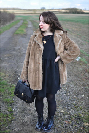 camel faux fur coat charity shop coat - black Dr Martens boots