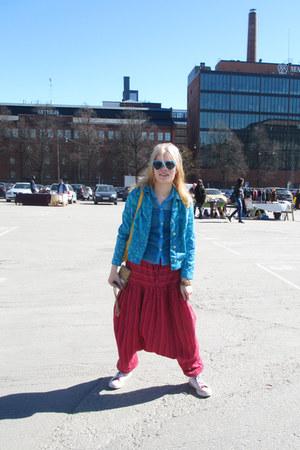 sky blue cotton vintage jacket - turquoise blue plastic sunglasses