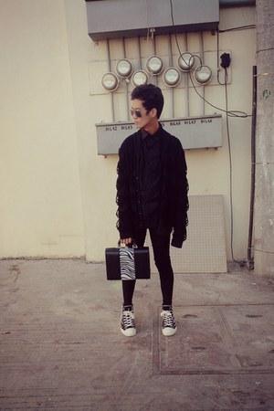 Robinsons bag - Converse sneakers - Alexander Wang cardigan