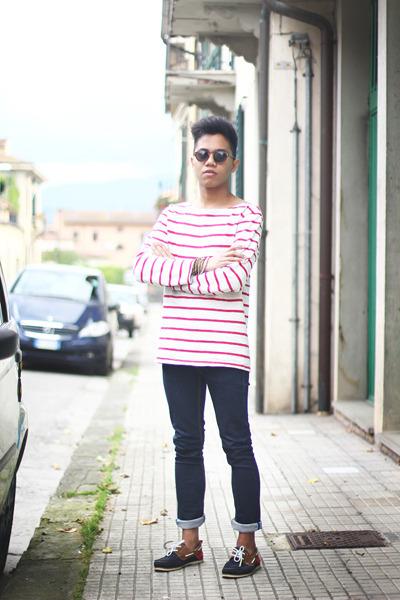 ruby red boat shoes Zara shoes - blue Zara jeans - red striped Zara t-shirt