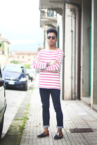 ruby red boat shoes Zara shoes - blue Zara jeans - red striped Zara t-shirt