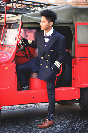 navy airforce vintage blazer - tawny leather Zara shoes - navy Zara sweater
