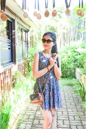 prints Just G dress - FLY sunglasses
