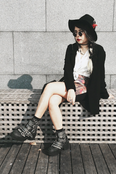 vintage skirt - Jeffrey Campbell boots - Bershka blazer - Zara top