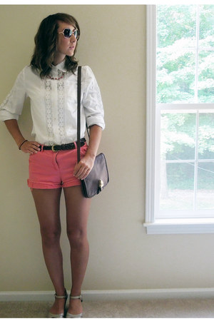 dark brown thrifted purse - salmon thrifted shorts - Fossil sunglasses