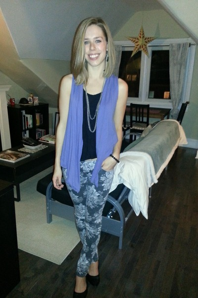 black loose top - heather gray floral jeans - violet long-line vest