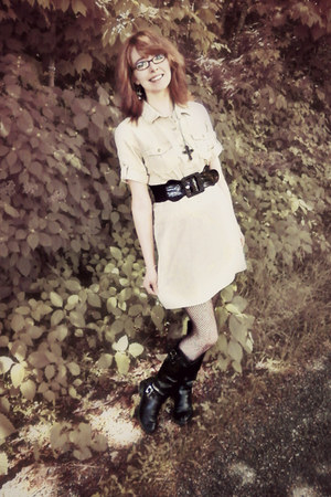 black leather Croft&Barrow boots - tan cotton dress