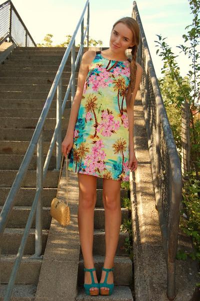 vintage bag - floral Primark dress