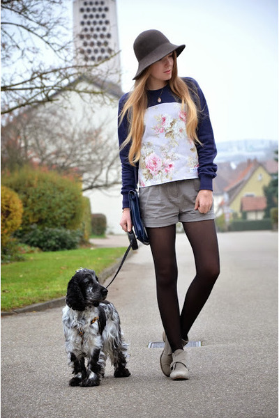 shebijou ring - grey Primark boots - floral print Coutie sweater