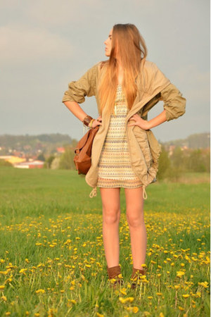 aztec Pimkie dress - Levis coat - Deichmann bag