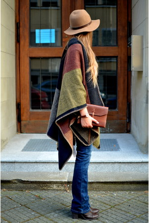 poncho fashion5 jacket - flared Vila jeans - H&M hat