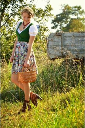 Deichmann boots - dirndl DIY dress - floral vintage skirt