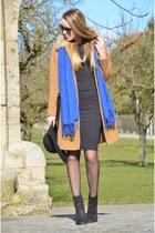 camel vintage coat - black H&M boots - black vintage bag