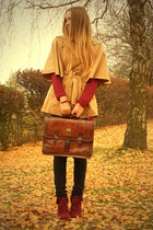 H&M jeans - vintage bag - brown unknown cape
