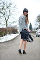 grey SOliver sweater - black Pimkie boots - grey c&a hat - fringes H&M bag