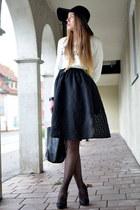 black Hallhuber bag - white Pimkie sweater - black TK Maxx skirt