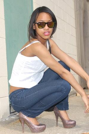 Forever 21 jeans - Ray Ban sunglasses - white hollister top - multi-glitter Stev